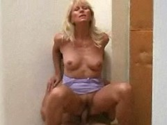 Blond aged woman gets fuck on floor